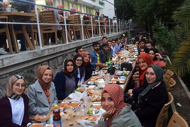 uniak-iftar-(2)